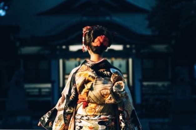 Japanische Mädchen zwingen Sex